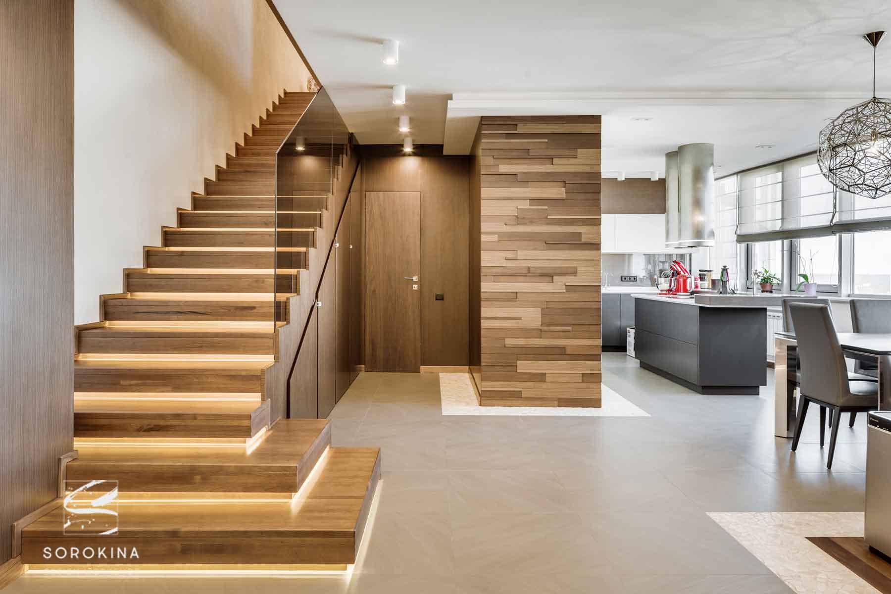 интерьер-гостиной-Amber-wood-apartment