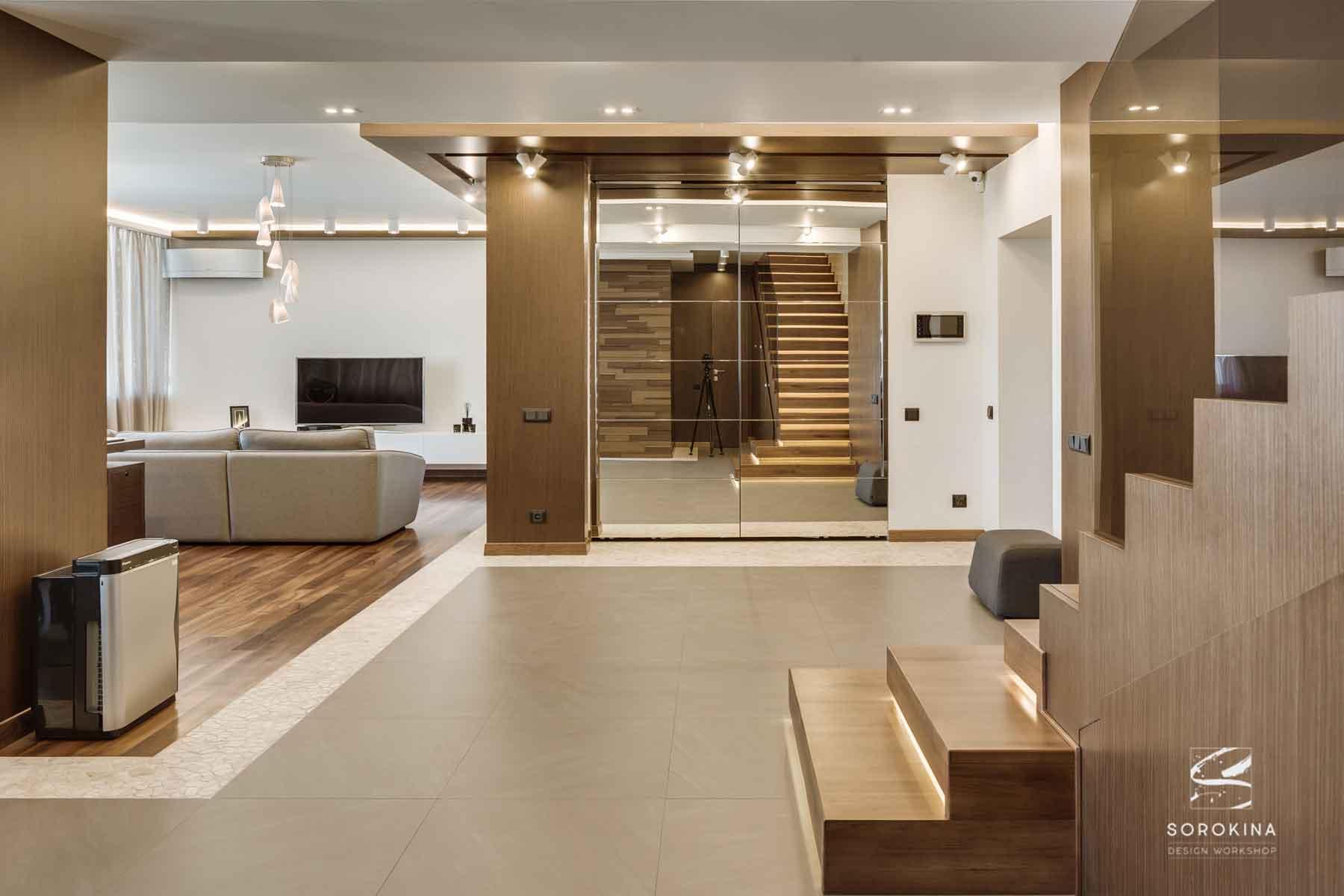 интерьер-прихожей-Amber-wood-apartment